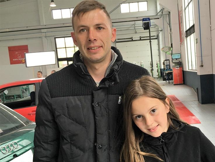A la hija de Víctor le parece «guay» que su padre salga en la TV