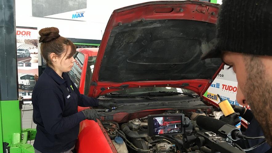 Su presencia en IRONCAR está sirviendo para dar visibilidad a las mujeres mecánicas