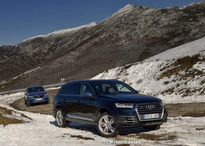 audi sq7 vs volvo xc90 t8 r-design-57