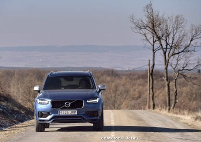 audi sq7 vs volvo xc90 t8 r-design-78