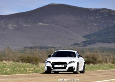 audi tt rs vs porsche cayman s 718 vs mb a-45 amg vs bmw m240i-53