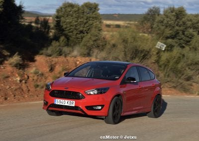 ford_focus_st-line_tdci150_-20
