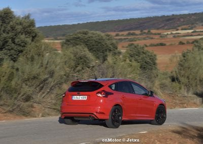 ford_focus_st-line_tdci150_-21