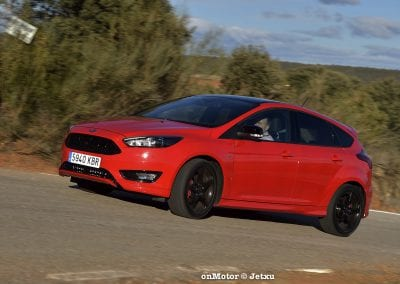 ford_focus_st-line_tdci150_-23