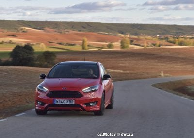 ford_focus_st-line_tdci150_-25