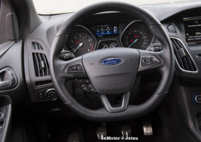 ford_focus_st-line_tdci150_-3