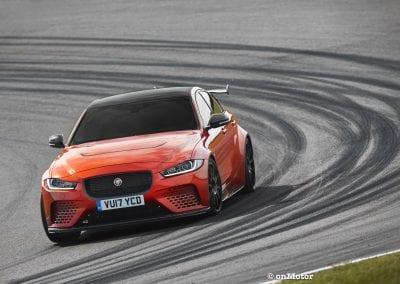 jaguar xe sv project8_-10