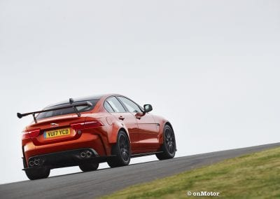 jaguar xe sv project8_-6