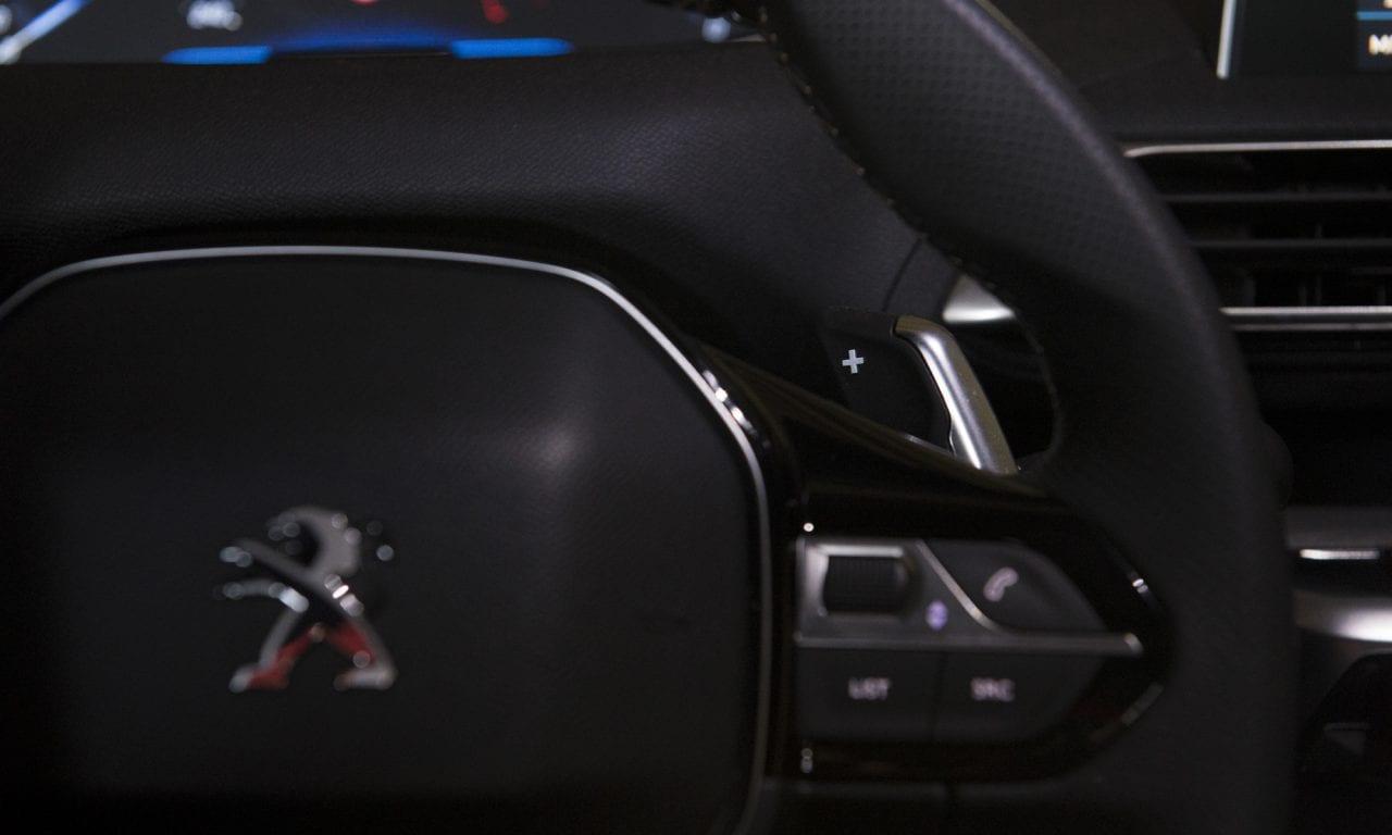 PEUGEOT 3008 GT-Line BlueHDi180