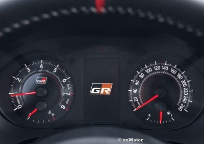 305-yaris-grmn-detail-int-2