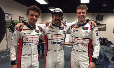 Alonso preparado para el «Roar» de las 24 Horas de Daytona.