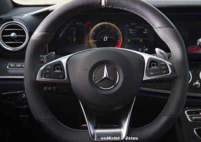 mercedes-benz e63s amg 4matic+-13