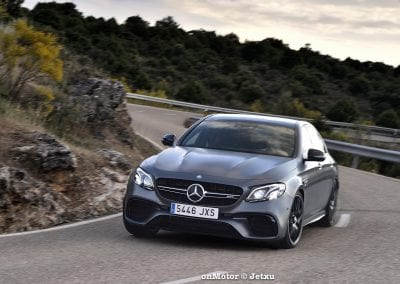 mercedes-benz e63s amg 4matic+-24