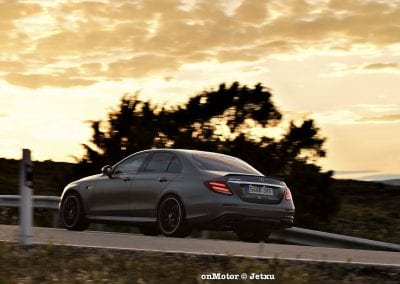 mercedes-benz e63s amg 4matic+-32