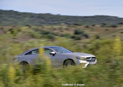 mercedes_benz_e220d_coupe-25