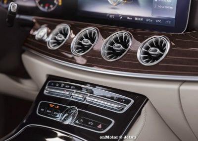 mercedes_benz_e220d_coupe-40