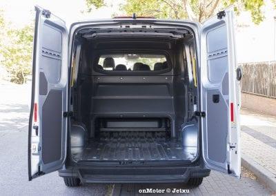volkswagen_crafter_furgon_mixto_plus-28