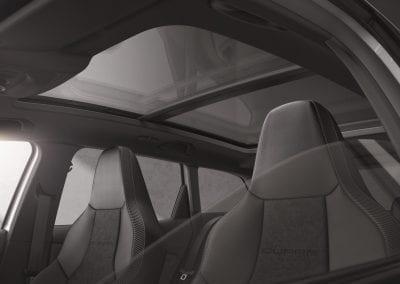 Nuevo-SEAT-Leon-ST-CUPRA-R-cenit-de-la-exclusividad_003_HQ-2