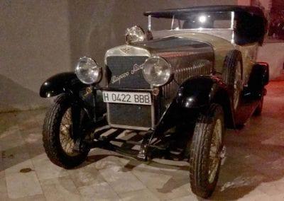 ablo Raijenstein. Mentalismo en el museo de coches de Apartosuites Jardines de Sabatini