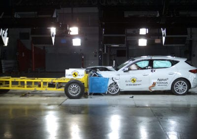 SEAT León e-Hybrid 2020 crash test